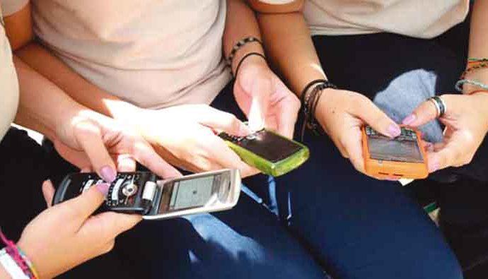 El uso de teléfonos en las clases. Pros y contras