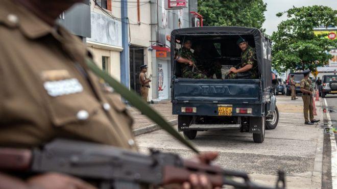 Bombardeos de Sri Lanka: 15 mueren en ráfaga durante la incursión en sospecha de escondite