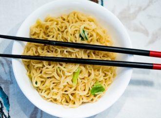 ¿Por qué los chinos comen con palillos?