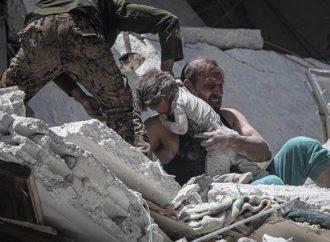 Siria: Una niña muere después de salvar la vida de su hermana